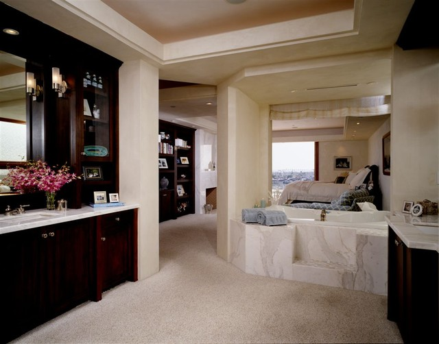 Newport Beach traditional-bathroom