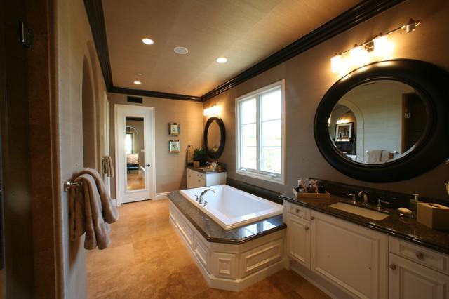 Newport Beach House traditional-bathroom