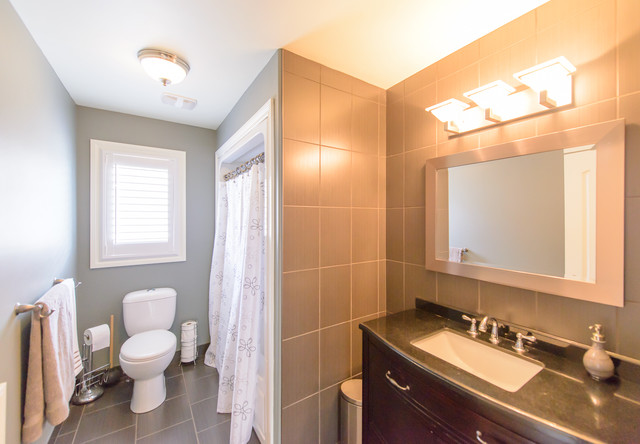 Niagara Falls Rental Home Canada Modern Bathroom