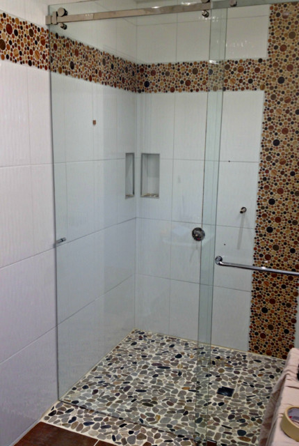 No threshold frameless sliding glass shower door for Sliding glass doors vancouver