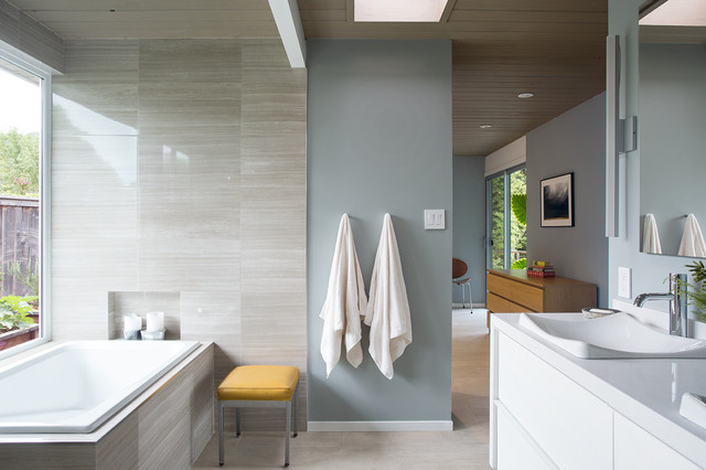 Trendy Drop In Bathtub Photo In San Francisco With A Vessel Sink And Blue  Walls