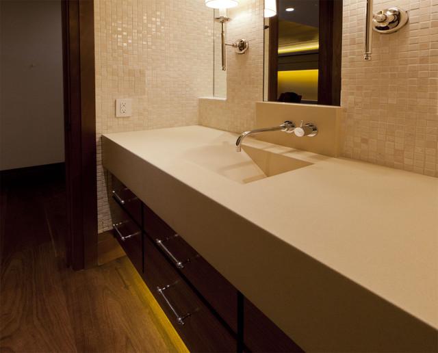 North Lake tahoe Residence rustic-bathroom