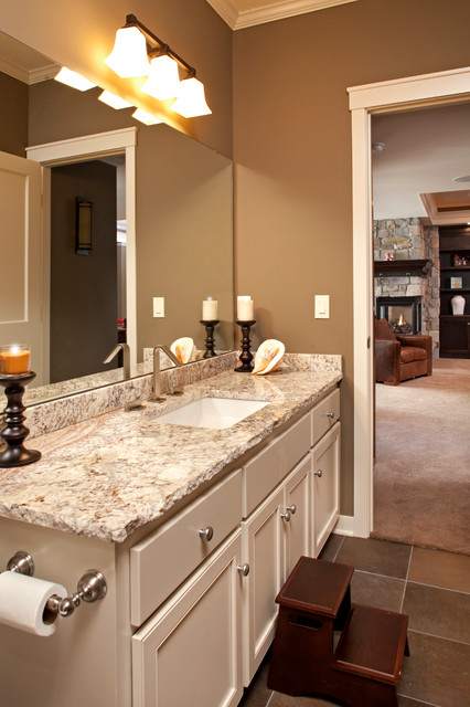 North Oaks Transitional Style Traditional Bathroom