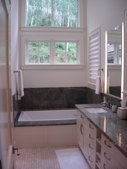 Nowlin Residence traditional-bathroom