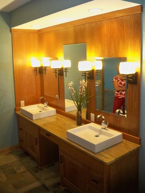 Oak Creek home asian-bathroom