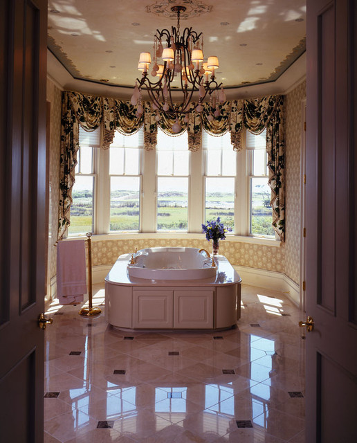 Ocean Course Drive traditional-bathroom