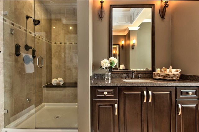 Ocean Park Traditional Bathroom Vancouver By