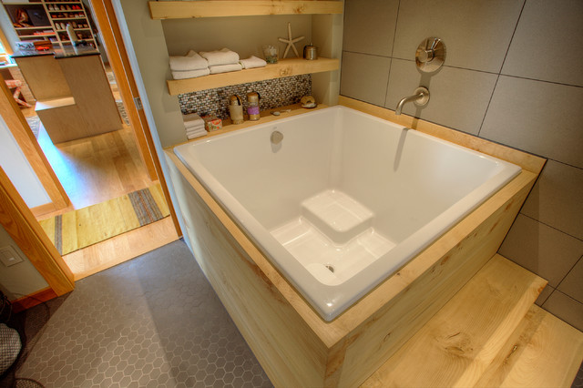 Pleasant Ofuro Style Soaking Tub Bathroom Remodel Asian Bathroom Beutiful Home Inspiration Semekurdistantinfo