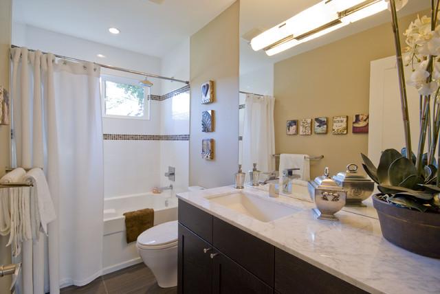 OH Custom 6 traditional-bathroom