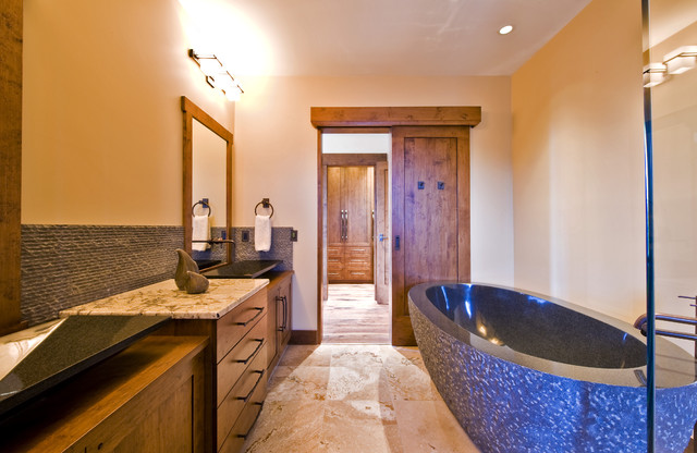 OKANAGAN LOG HOME modern bathroom