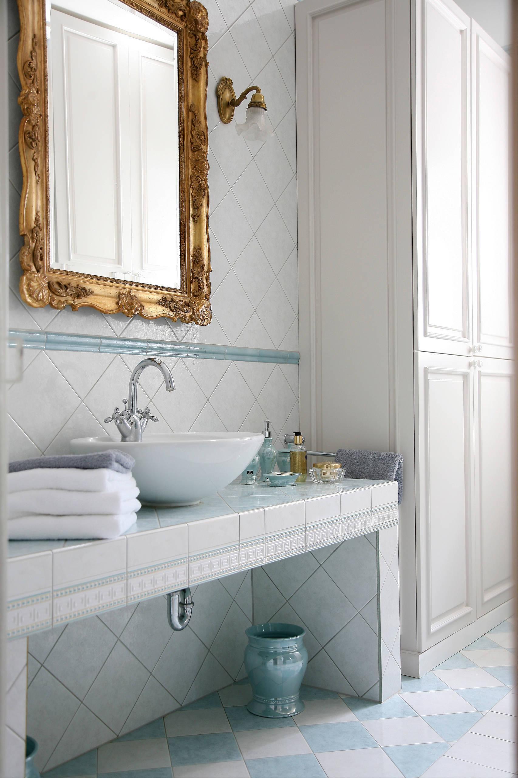 75 Beautiful Victorian Ceramic Tile Bath Pictures Ideas February 2021 Houzz