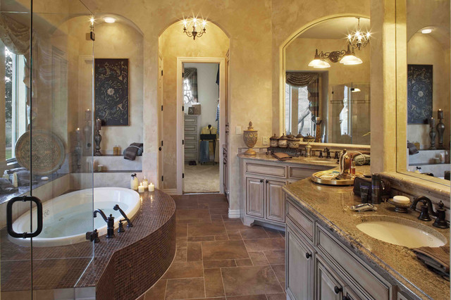 Photo of a large traditional ensuite bathroom in Austin with a submerged sink, raised-