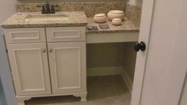 Olde Park Subdivision, Lot 4 traditional-bathroom