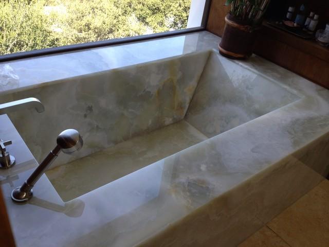 Onyx Bathtub Contemporary Bathroom