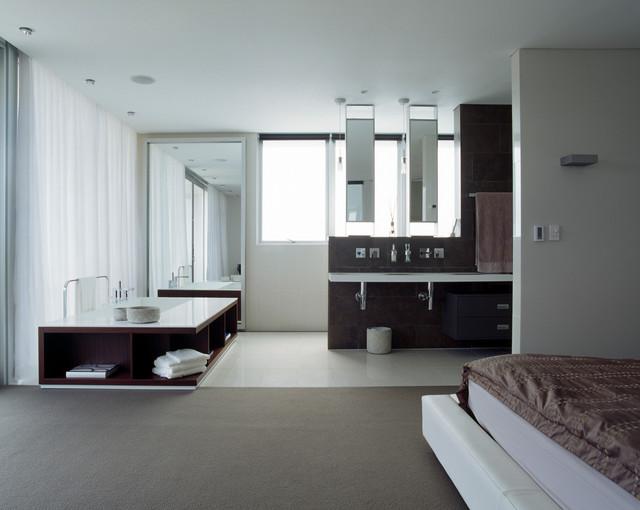 Open plan parents retreat modern bathroom sydney for Modern ensuite bathroom designs