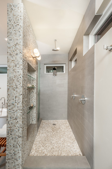 Open walk in shower transitional bathroom dallas for Bathroom designs open showers