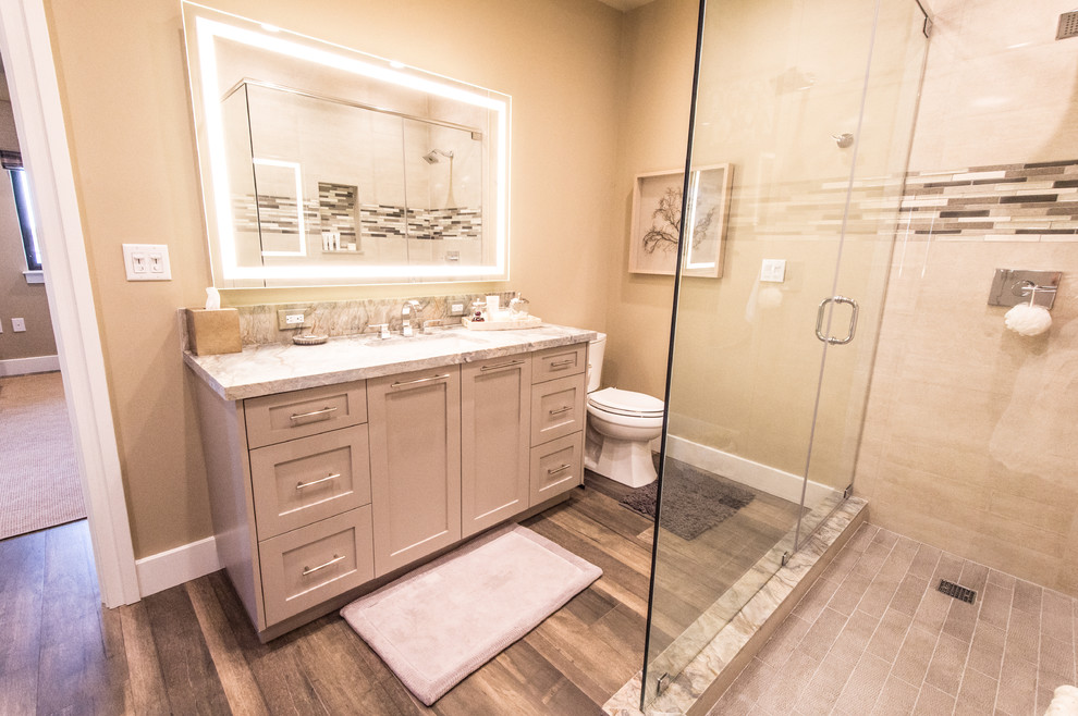 Inspiration for a craftsman bathroom remodel in Miami