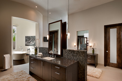 Large master bath and vanity topped with Silestone's® Altair Quartz