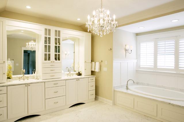 Owner's bath bathroom