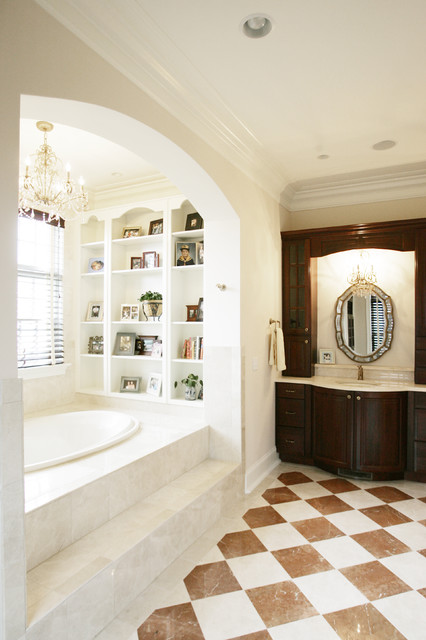Owner's Bath bathroom