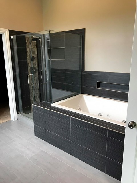 Oxford Master Bath modern-bathroom