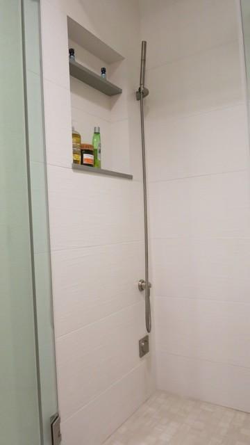 Pacific coast steam room Modern Bathroom San