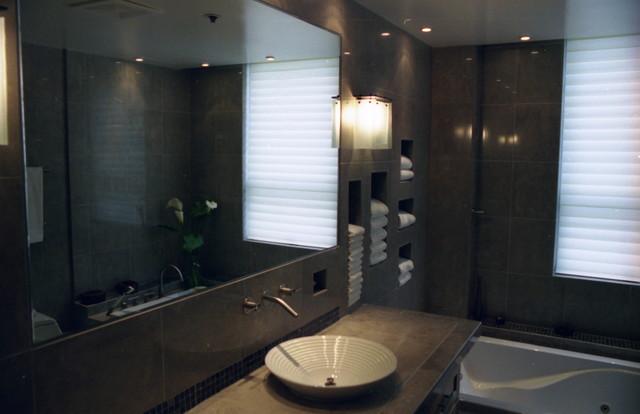 Pacific Heights Modern modern-bathroom
