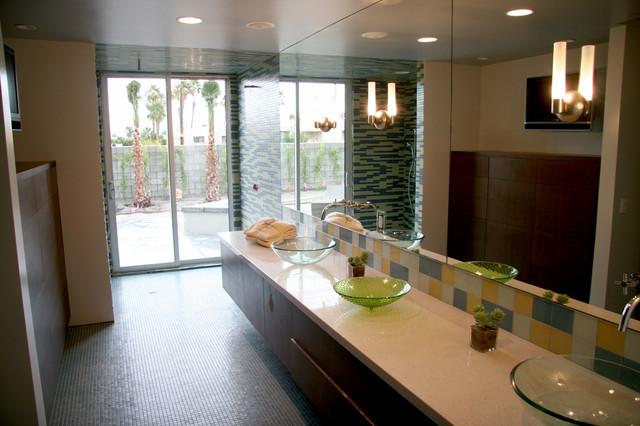 Palm Springs contemporary-bathroom