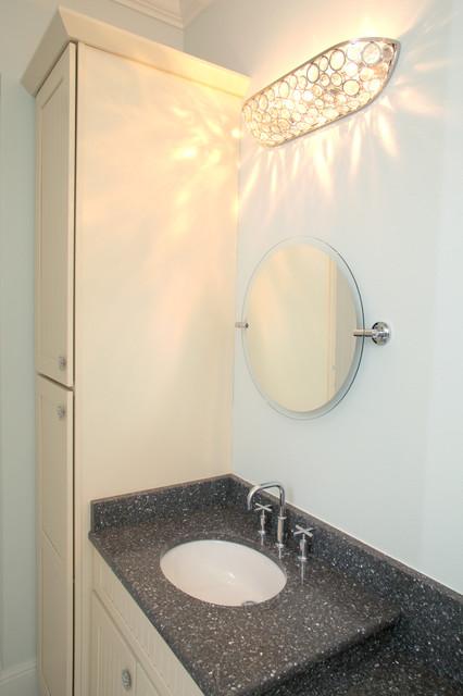 Palma Ceia Bungalow traditional-bathroom