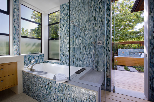 Palo Alto Green Point Rated House contemporary bathroom