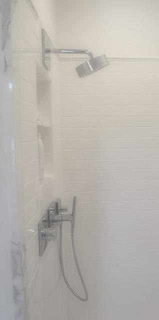 Palo Alto Residence II traditional-bathroom