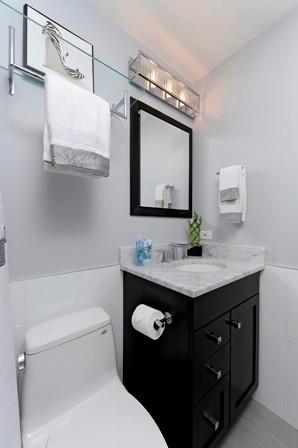 Papadimitris Baths traditional-bathroom