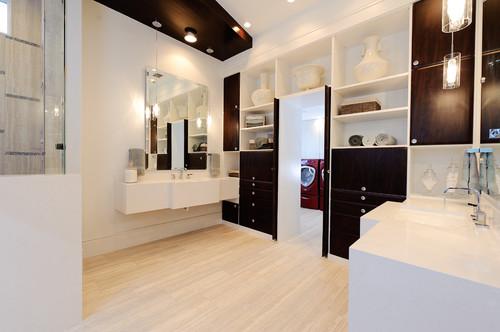 Jack and jill bathroom design ideas for Jack n jill bathroom designs