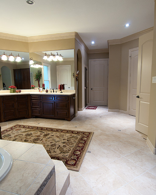 Paradise Valley Custom Home traditional-bathroom