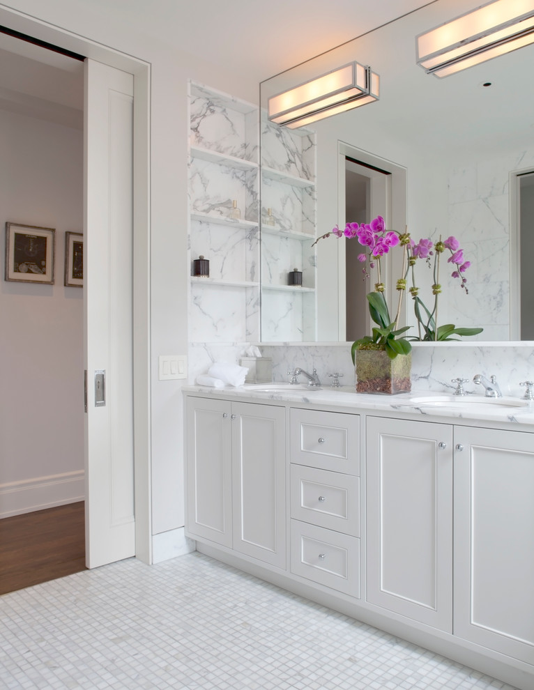 Example of a transitional bathroom design in New York