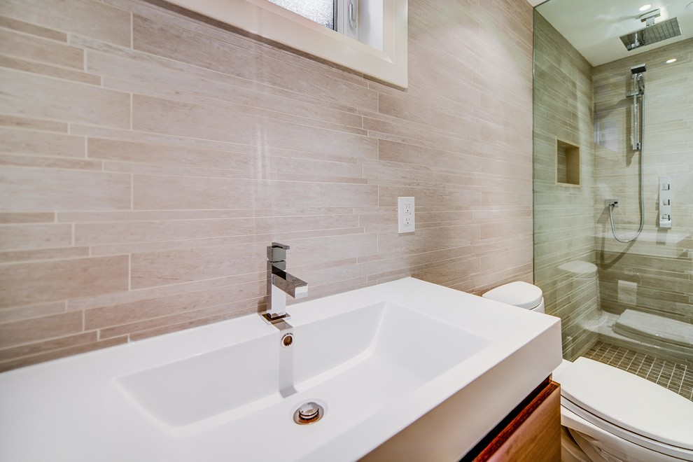 Inspiration for a modern bathroom remodel in Toronto