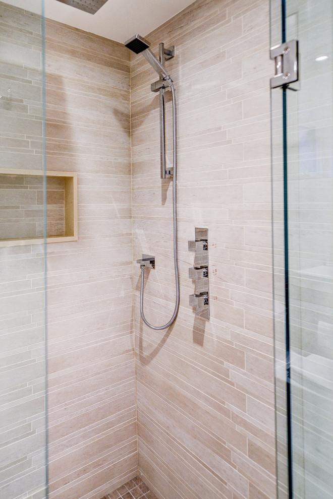 Trendy bathroom photo in Toronto