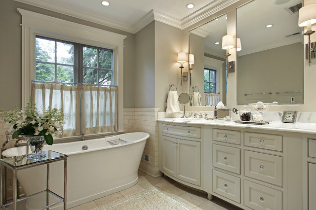 Example of a classic freestanding bathtub design in Los Angeles