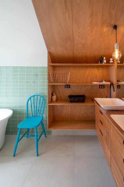 Patiki Beach House contemporary-bathroom