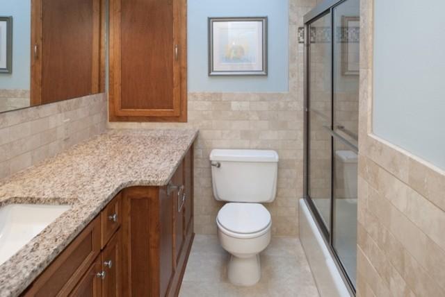 Pavek Bathroom traditional-bathroom