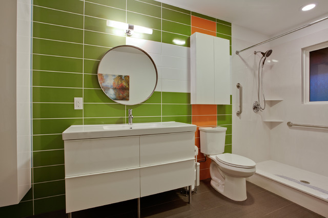 PBH Colip House - Modern - Bathroom - other metro - by PBH Construction