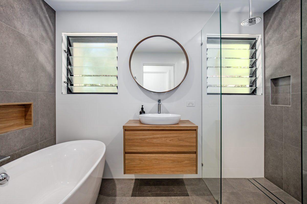 Pearl Guest Bathroom