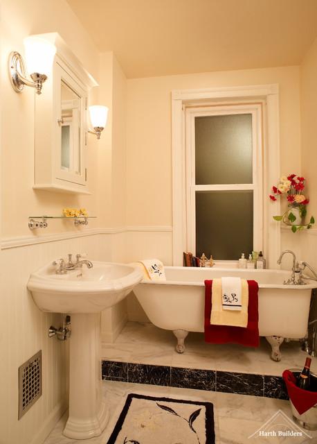 Pedestal Bathtub traditional-bathroom