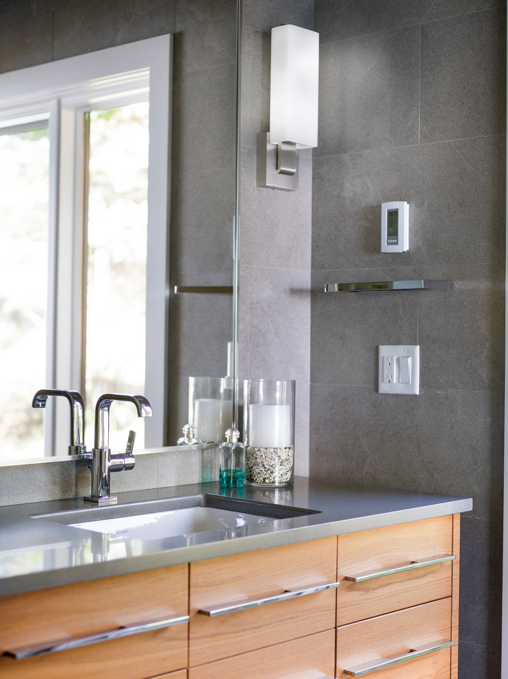 Inspiration for a coastal bathroom remodel in Vancouver