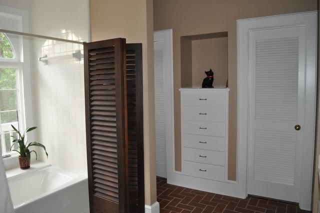 Personal home contemporary-bathroom