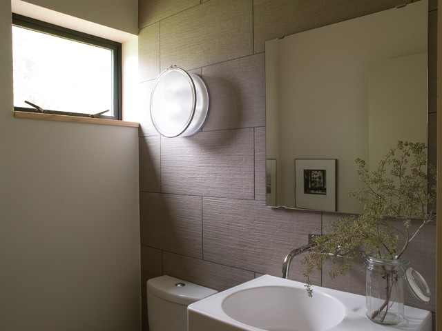 PH 1 baths modern-bathroom