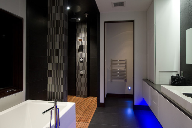 Pigeon Creek Residence contemporary-bathroom