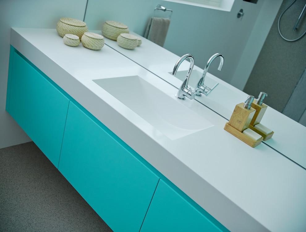 Pitch Perfect Bathroom - Contemporary - Bathroom ...