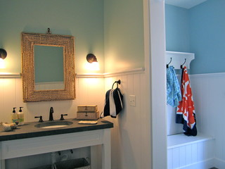 Pool house changing room - Change your old bathroom to traditional bathrooms ...