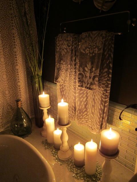 Poppyfields tropical-bathroom